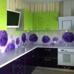 Фартук с фиолетовыми цветами