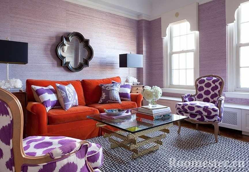 Светло-фиолетовые обои и текстиль