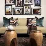 Деревянные столики у дивана необычной формы