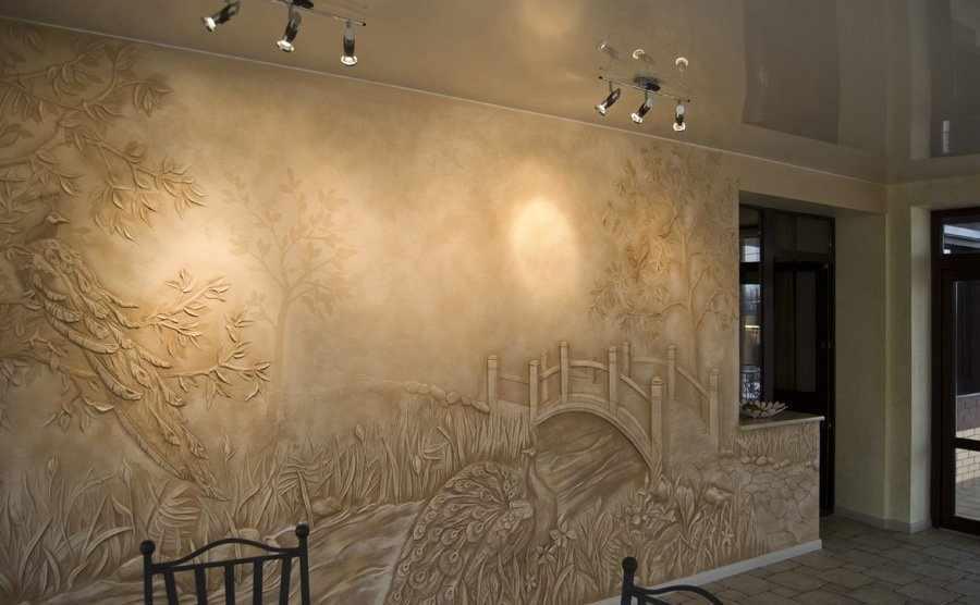 Красивая фреска на стене