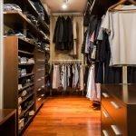 Ламинат в гардеробной