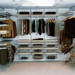 Обустройство маленького гардероба