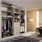 Стенка для гардероба в спальне