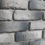 Плитка гипсовая на стене