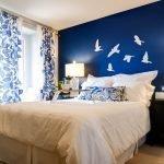 Дизайн стены в спальне