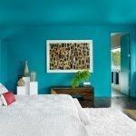 Синие стены и потолок