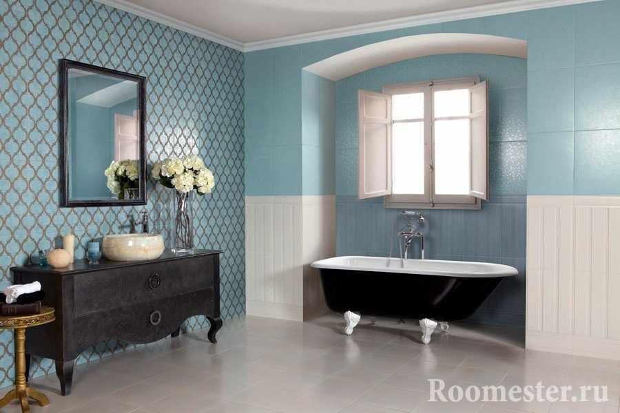 Ванная комната в голубой плитке