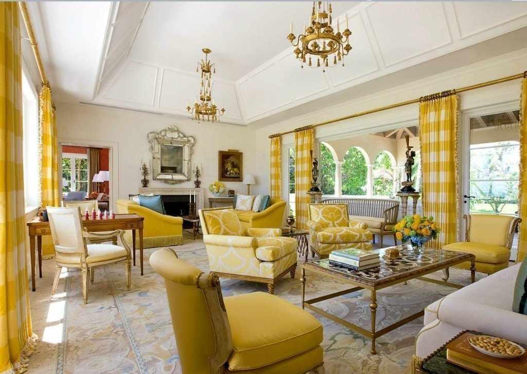 Горчичный цвет в интерьере гостиной