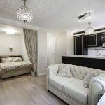 Гостиная с кроватью и диваном