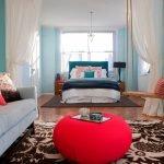 Зонирование гостиной текстилем