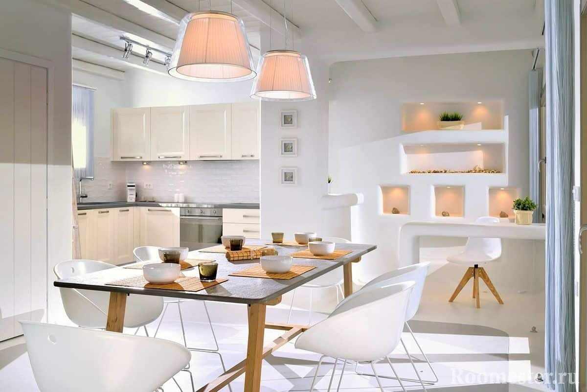 Столовая и кухня в греческом стиле