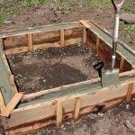 Изготовление грядок из бетона: шаг 2