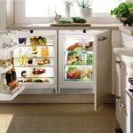 Холодильник в столе