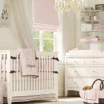 Розово-белая детская для девочки