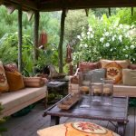 Садовая мебель с этническим принтом