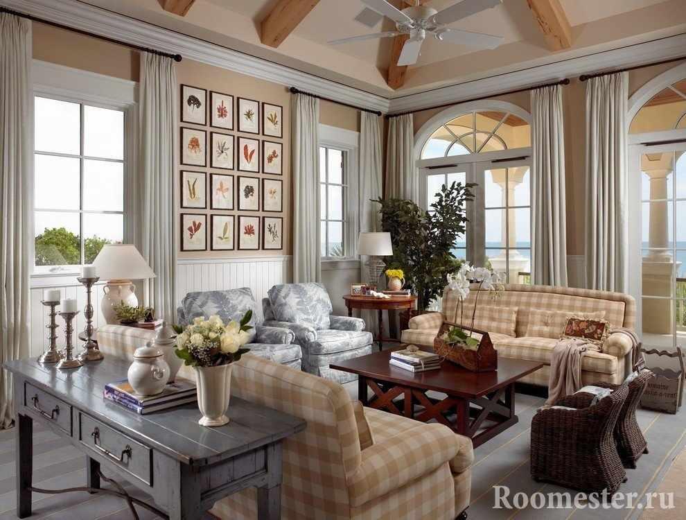 Уютный интерьер гостиной с диванами