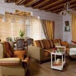 Мебель с пестрой обивкой в гостиной