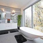 Ванная с панорамными окнами