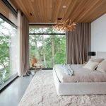 Большая спальня в эко-стиле