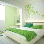 Дизайн бело-зеленой спальни