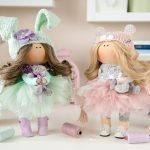 Куклы в шапочках