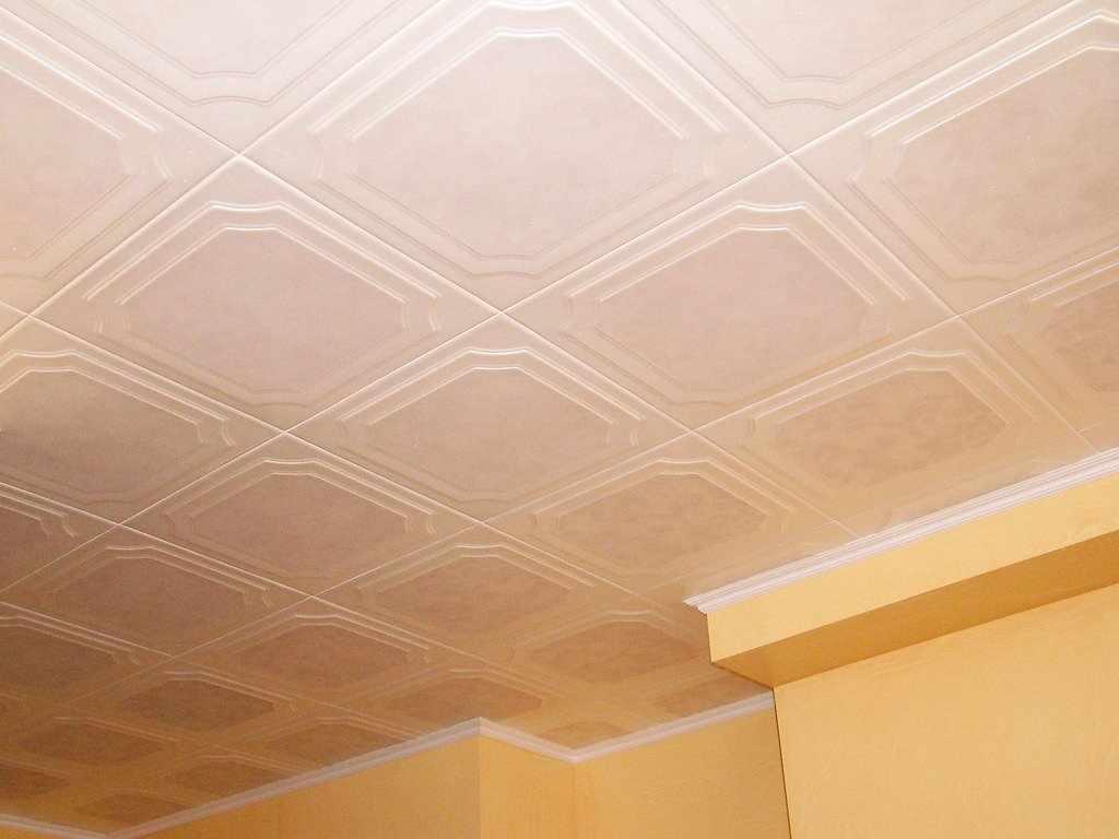Пенопластовая потолочная плитка