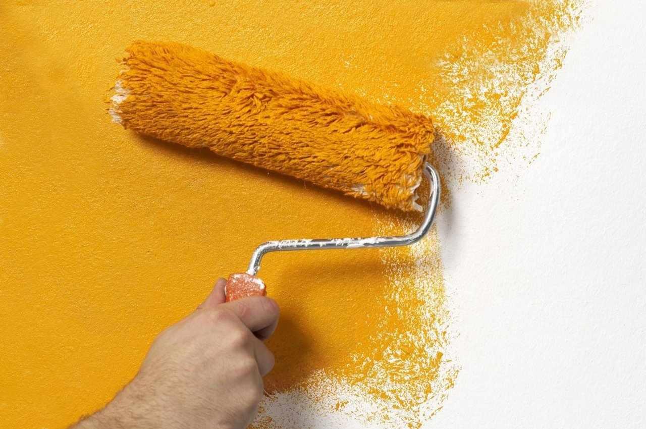 Окрашивание кирпичных стен после штукатурки