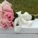 Как оформить букет из роз своими руками