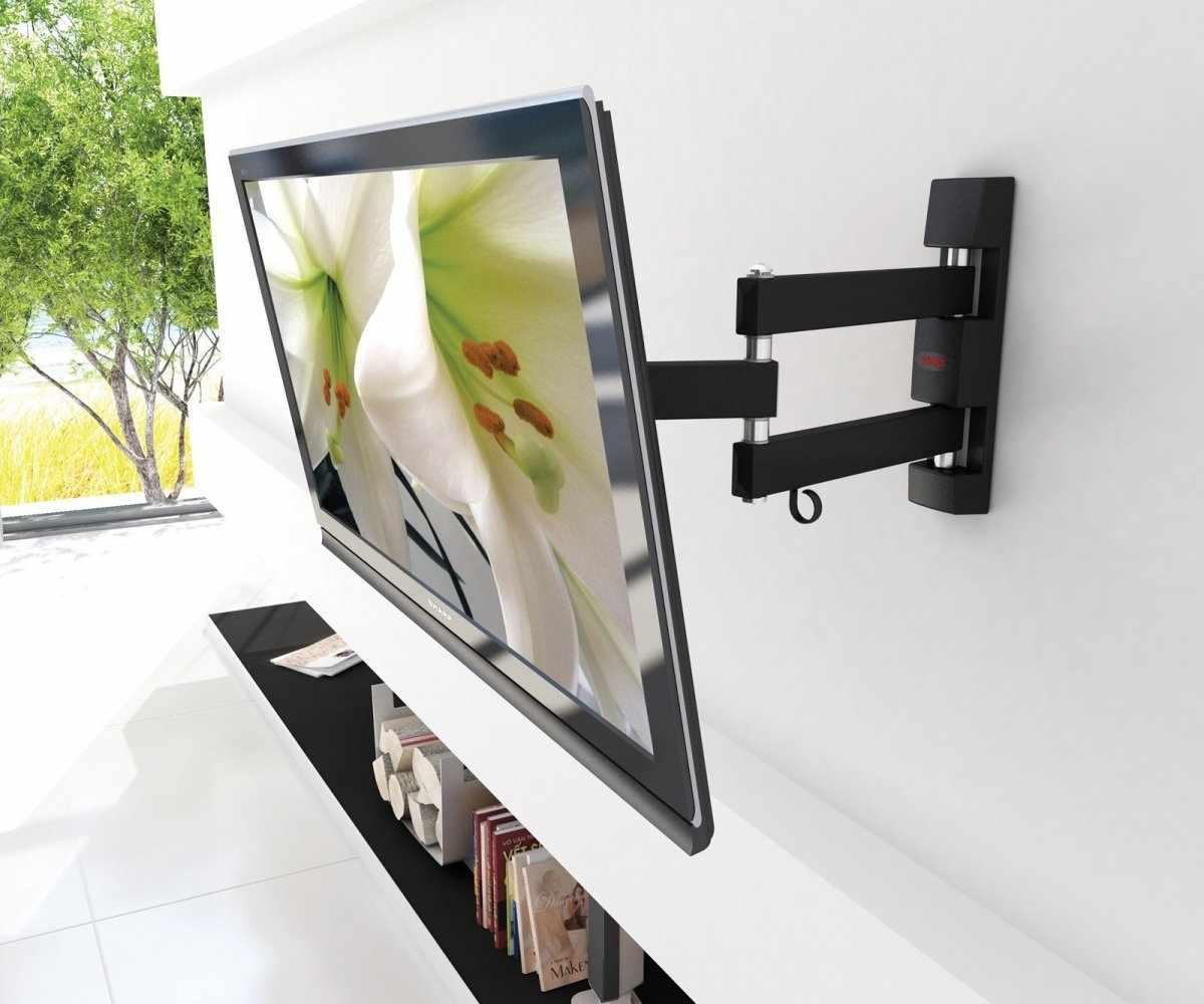 Телевизор на поворотном кронштейне