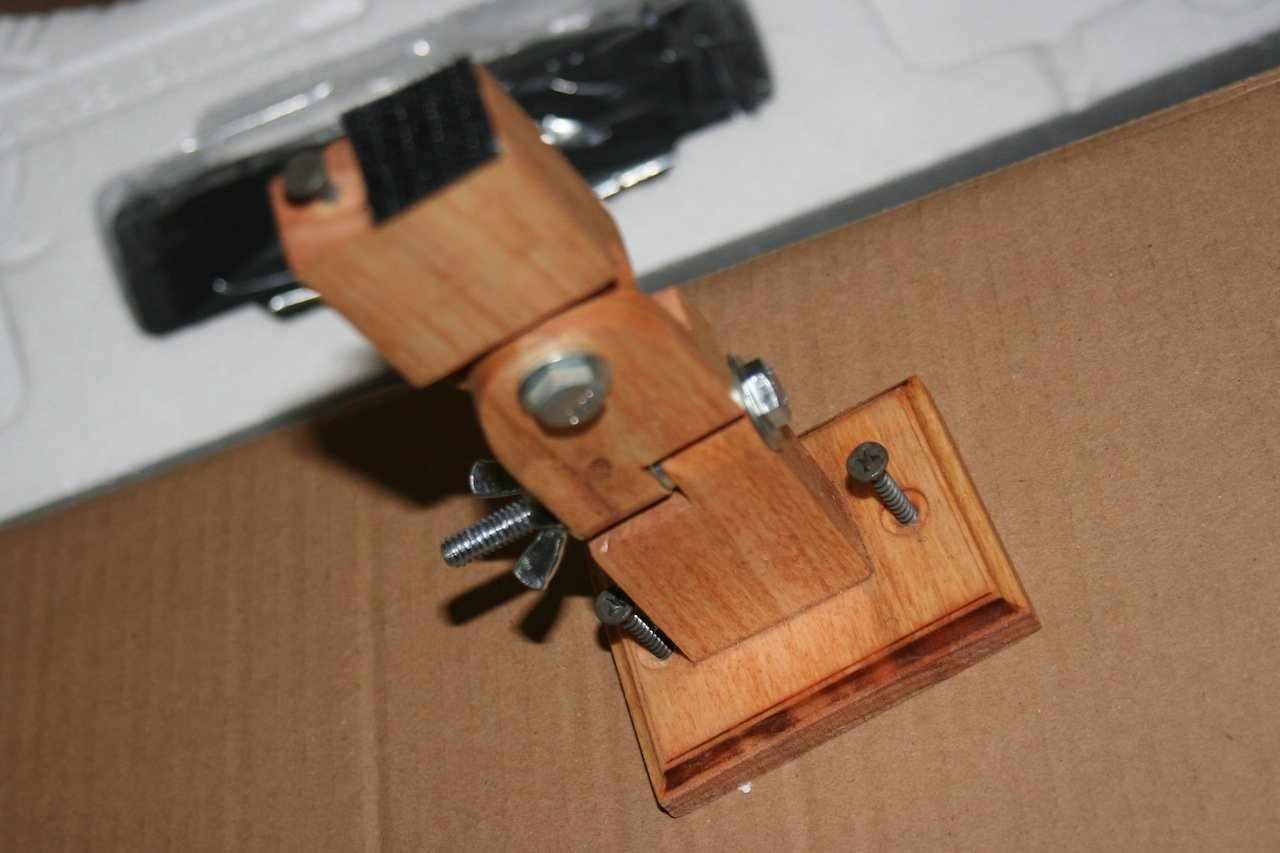 Кронштейн из дерева