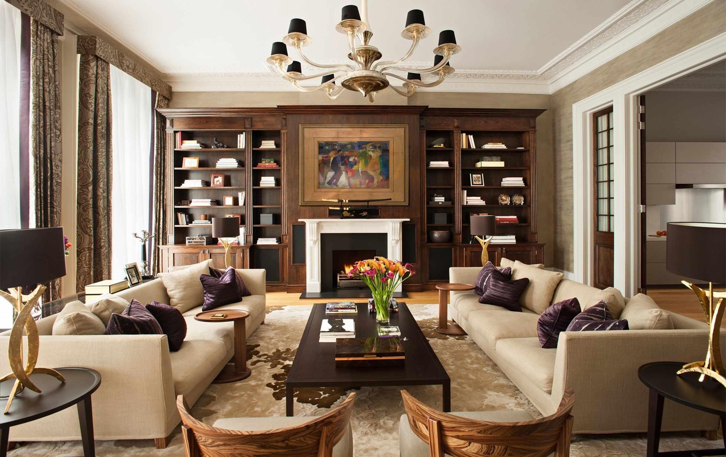 Симметричная расстановка мебели в комнате