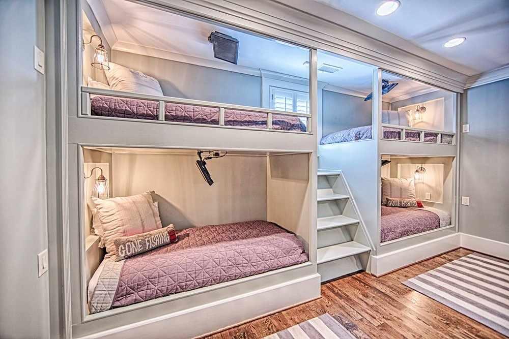 Двухъярусная кровать для многодетной семьи