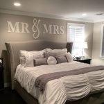 Объемные буквы над кроватью