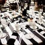 Сервировка в черно-белом стиле