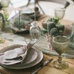 Дизайн стола кактусами