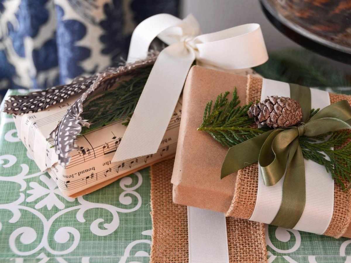 Упаковка подарка природными материалами