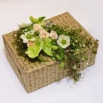 Декор упаковки живыми цветами