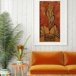 Оранжевая картина и диван