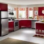 Ярко-красная кухня