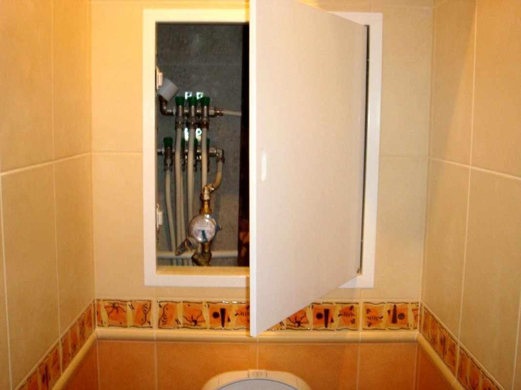 Фальш-стена в туалете