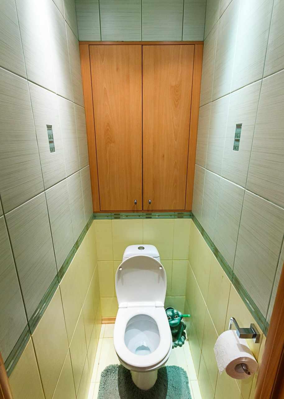 Встроенный шкаф для труб в туалете
