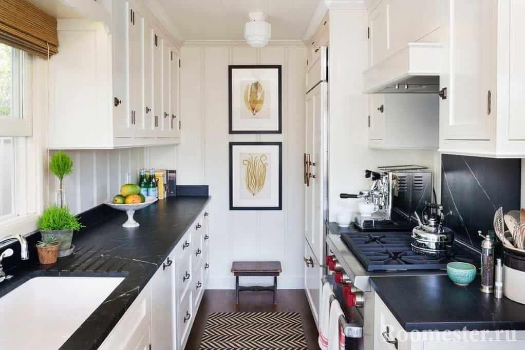 Картины на стене кухни