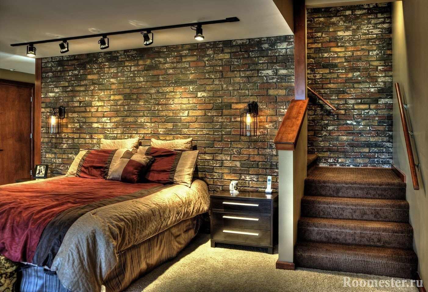 Спальня с лестницой