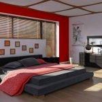 Широкая кровать в спальне