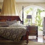 Мебель из дерева в спальне