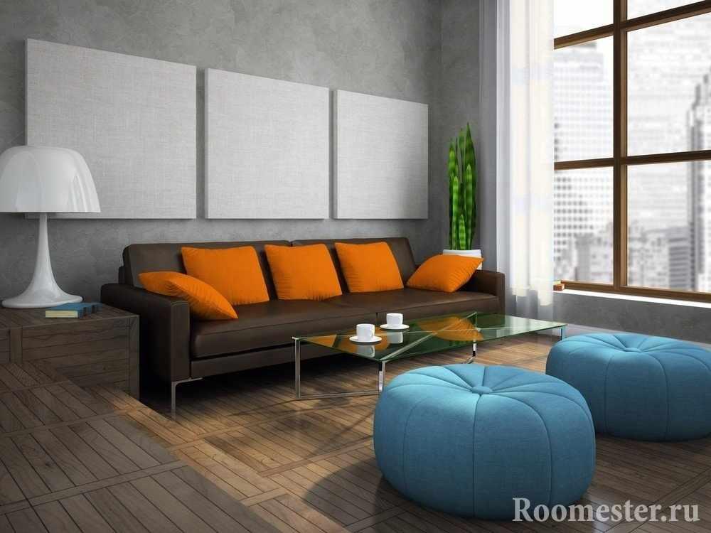 Голубой и оранжевый в интерьере коричневых тонов