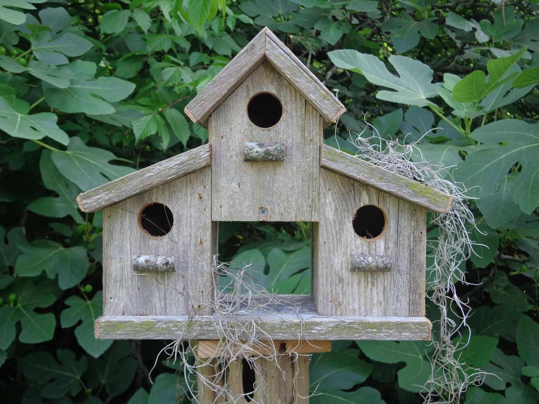 Кормушки-домики из дерева