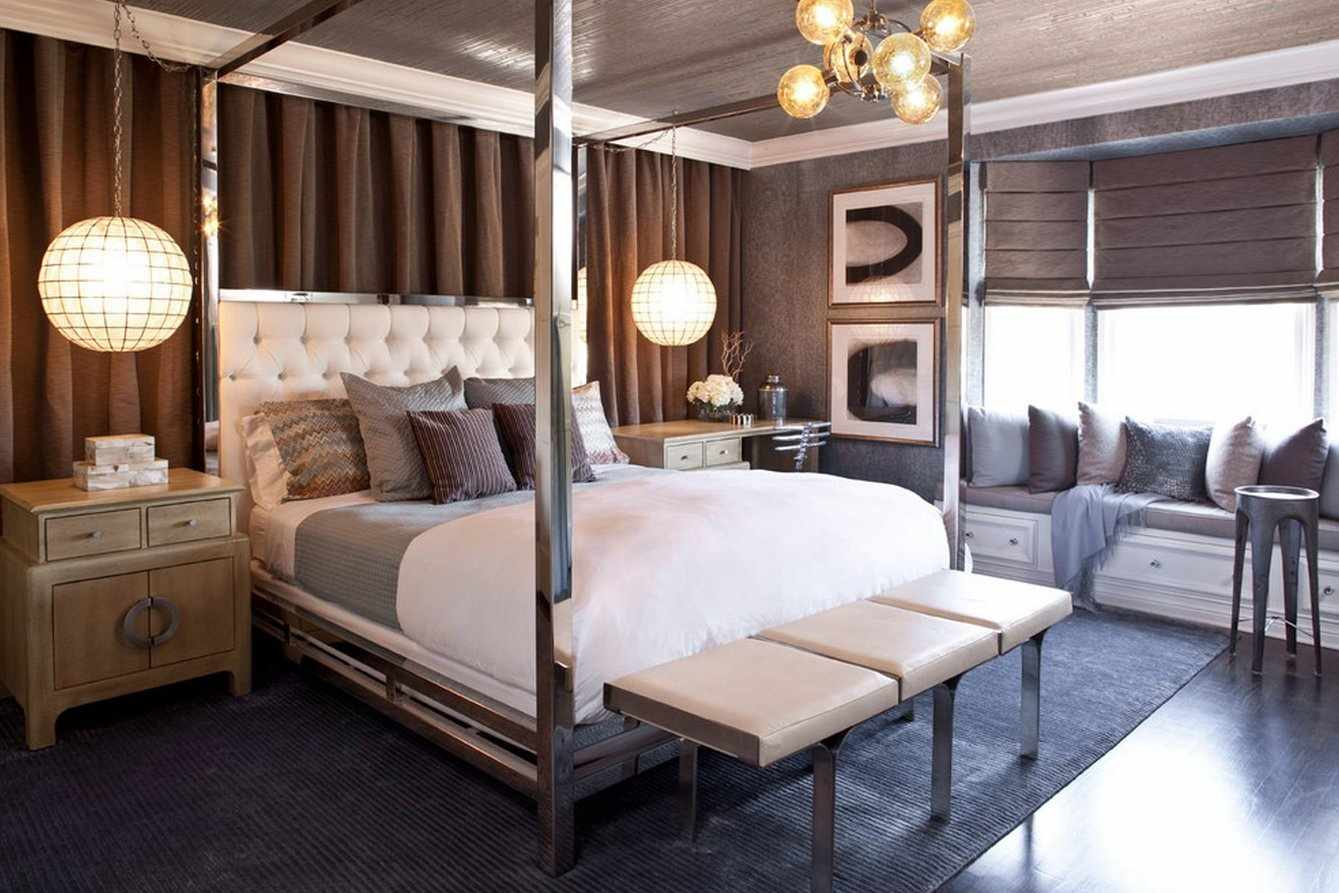 Высокая кованая кровать