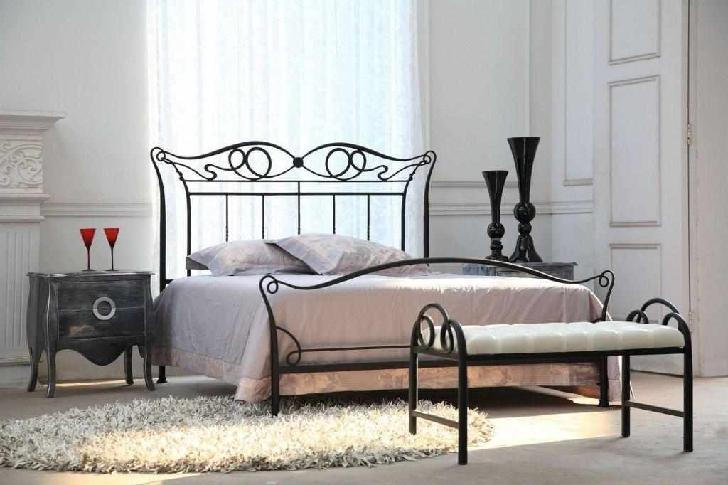 Ковка в спальне