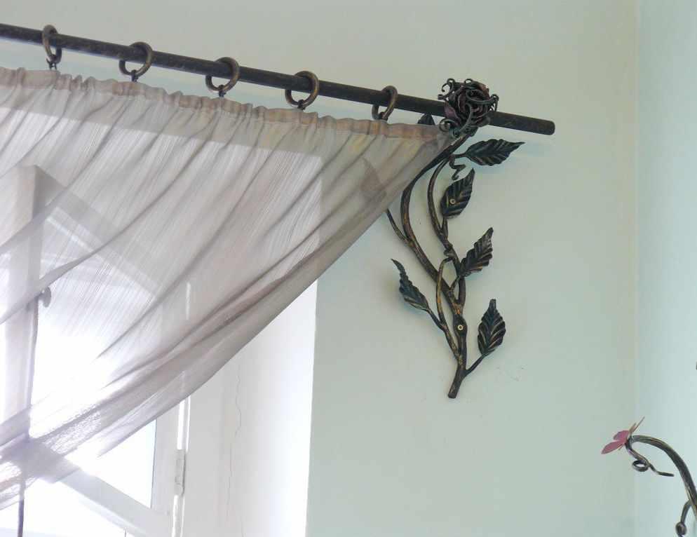 Карниз с боковым декорированием